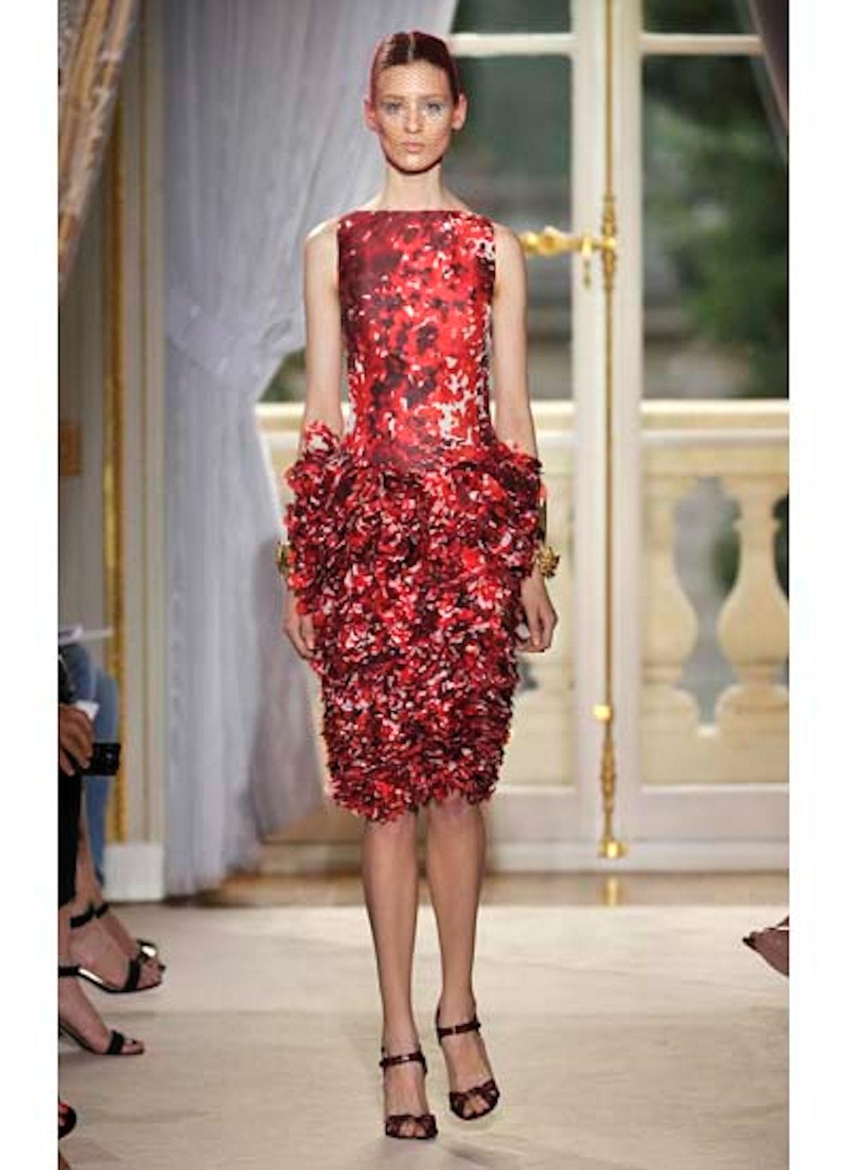 fass-giambattista-valli-couture-2012-runway-10-v.jpg