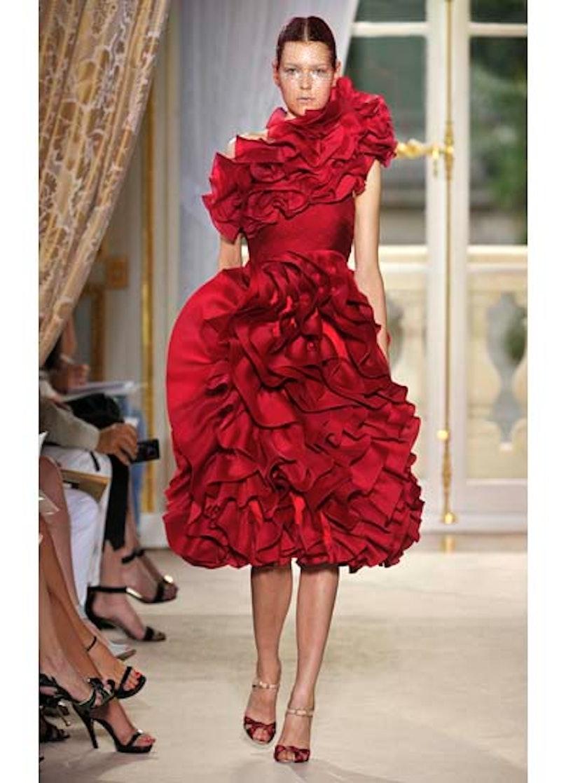 fass-giambattista-valli-couture-2012-runway-14-v.jpg
