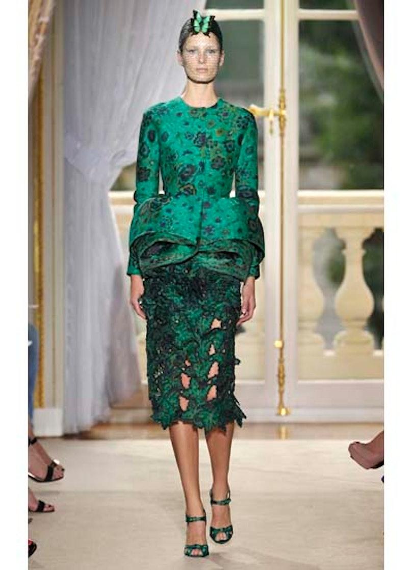 fass-giambattista-valli-couture-2012-runway-15-v.jpg