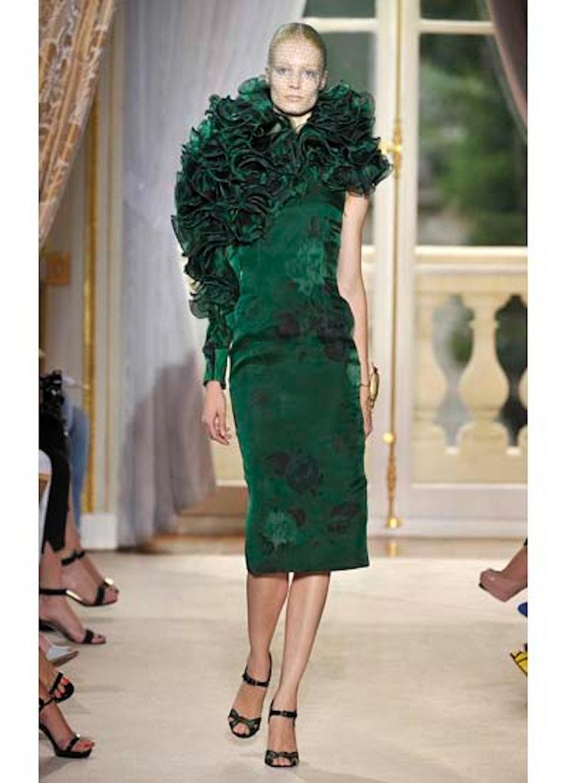 fass-giambattista-valli-couture-2012-runway-16-v.jpg