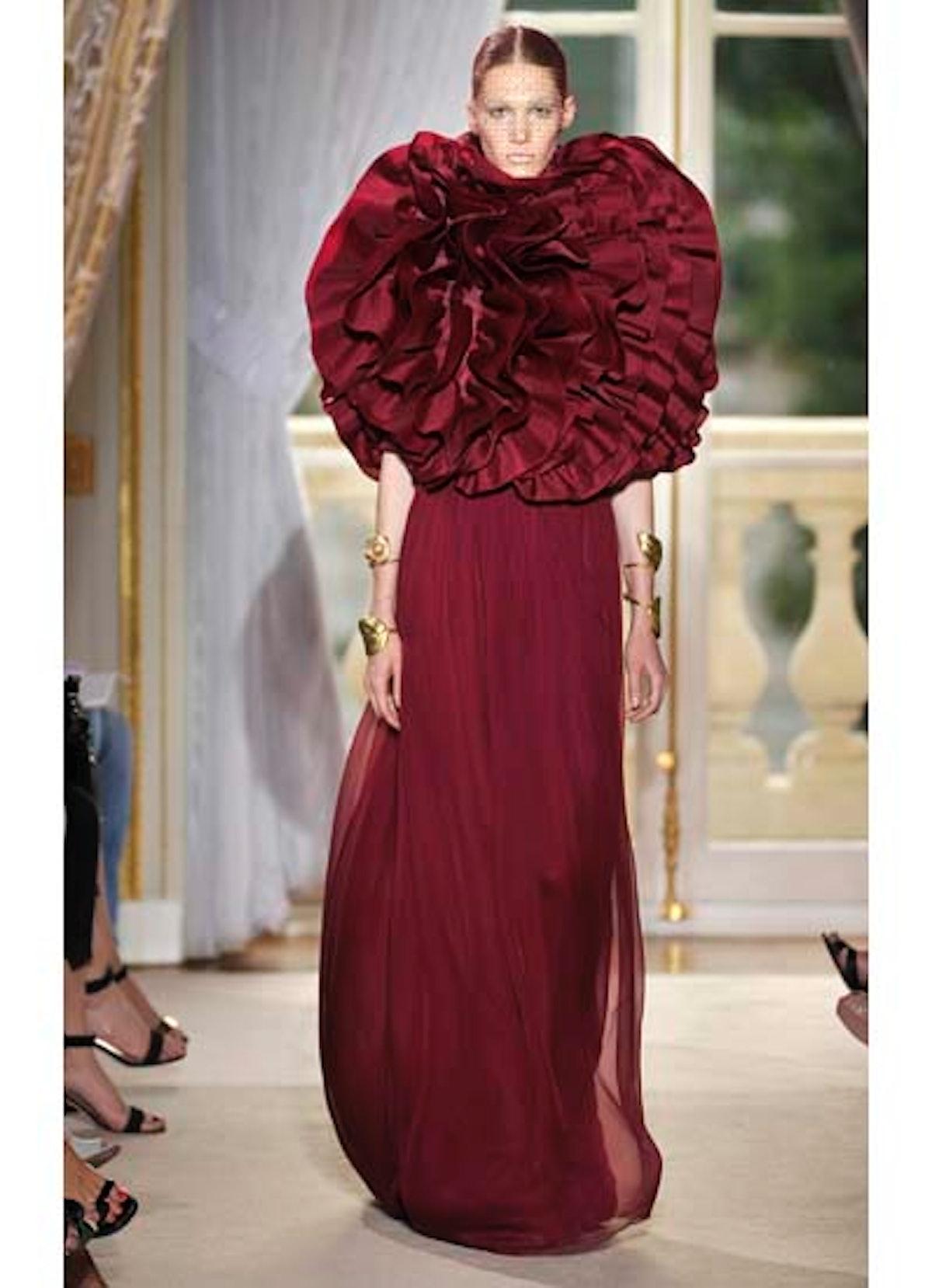 fass-giambattista-valli-couture-2012-runway-20-v.jpg