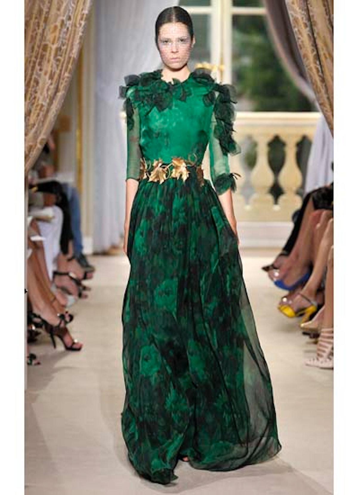 fass-giambattista-valli-couture-2012-runway-23-v.jpg