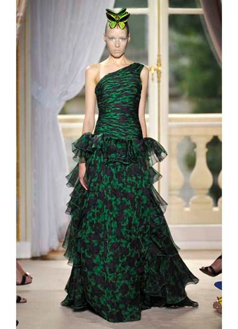 fass-giambattista-valli-couture-2012-runway-22-v.jpg