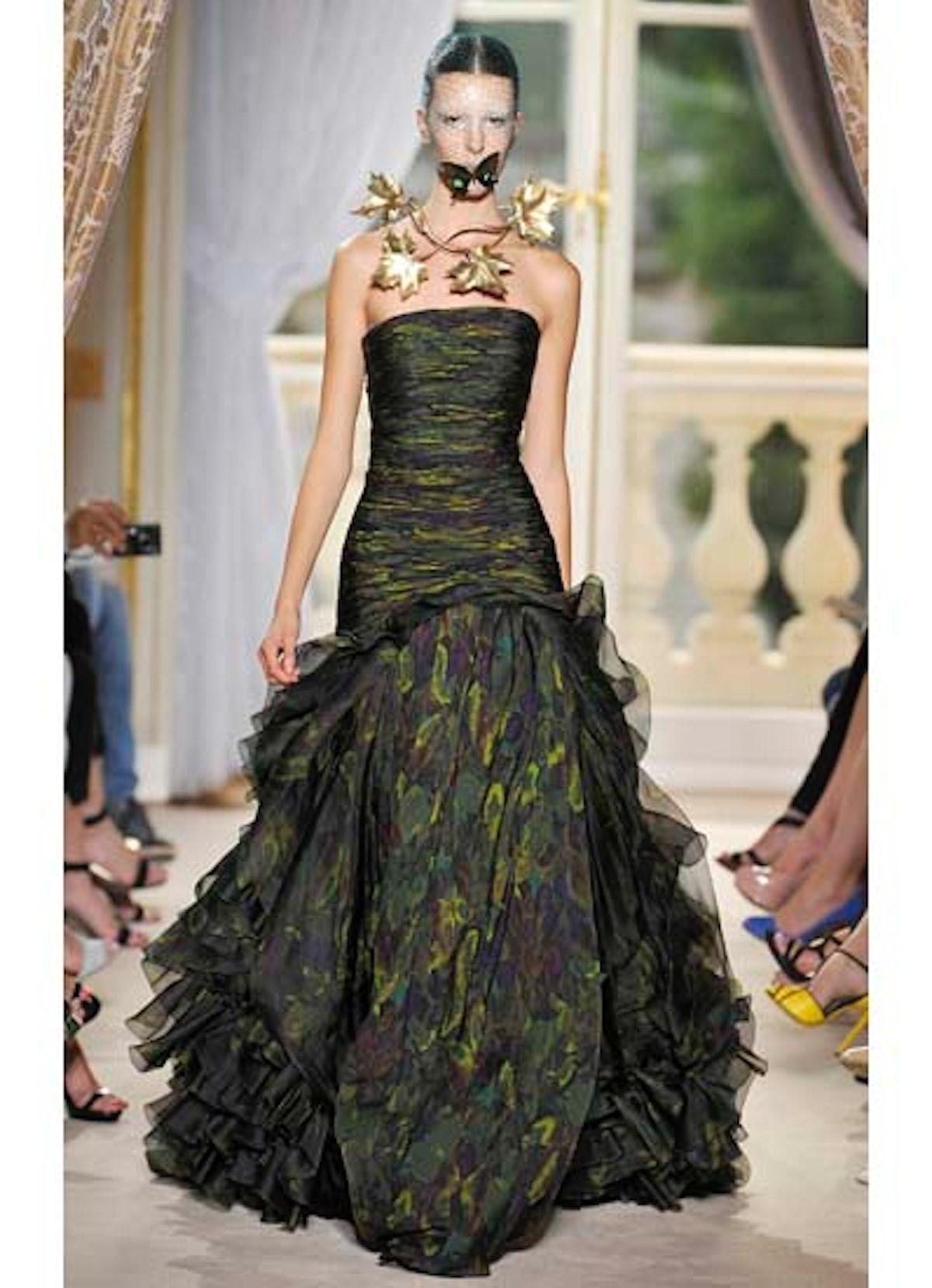 fass-giambattista-valli-couture-2012-runway-24-v.jpg