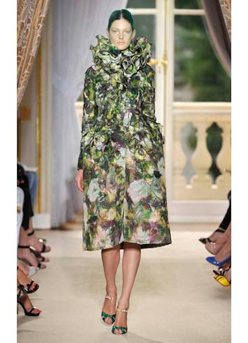 fass-giambattista-valli-couture-2012-runway-26-v.jpg