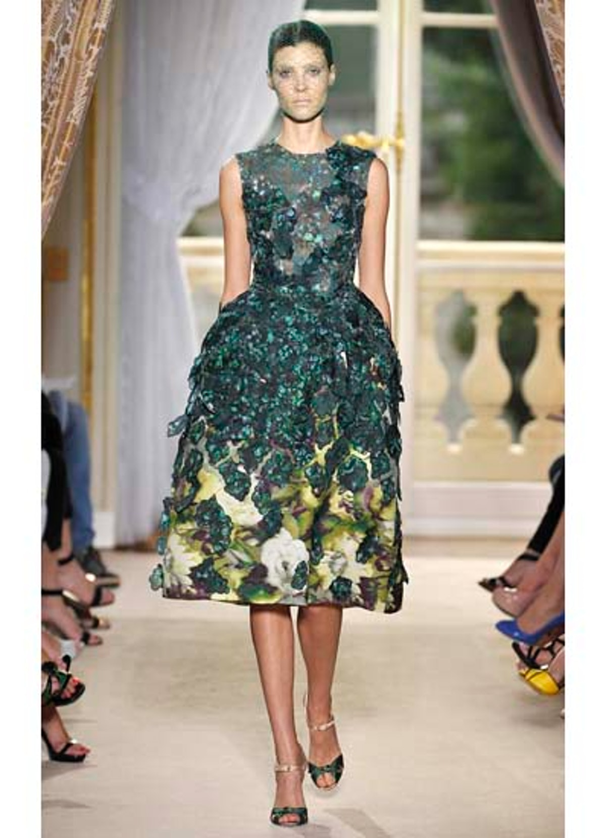 fass-giambattista-valli-couture-2012-runway-25-v.jpg