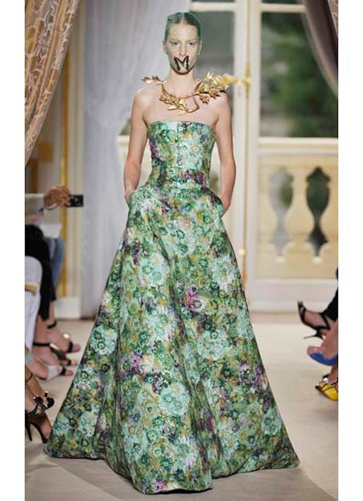 fass-giambattista-valli-couture-2012-runway-29-v.jpg