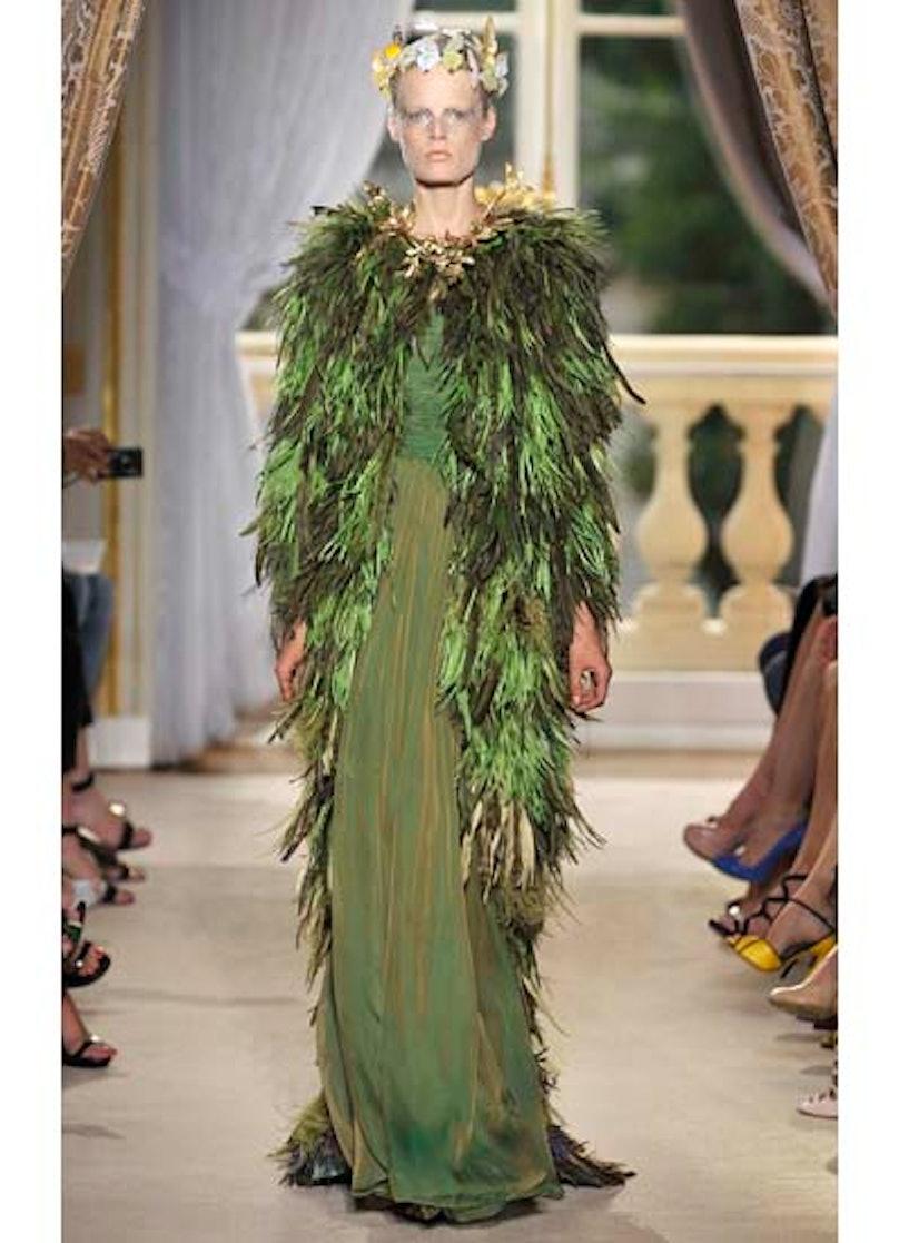 fass-giambattista-valli-couture-2012-runway-30-v.jpg