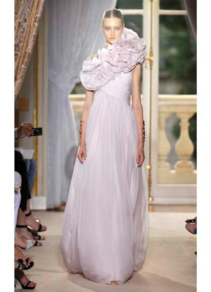 fass-giambattista-valli-couture-2012-runway-32-v.jpg