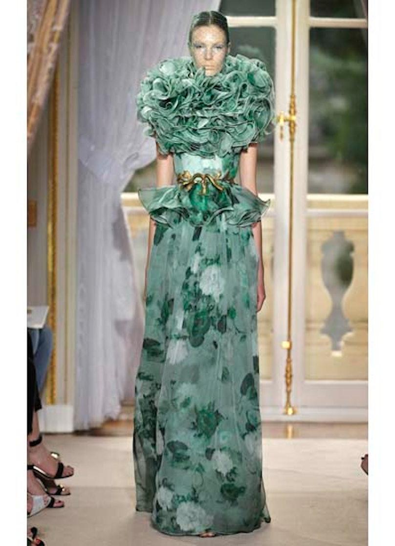fass-giambattista-valli-couture-2012-runway-33-v.jpg