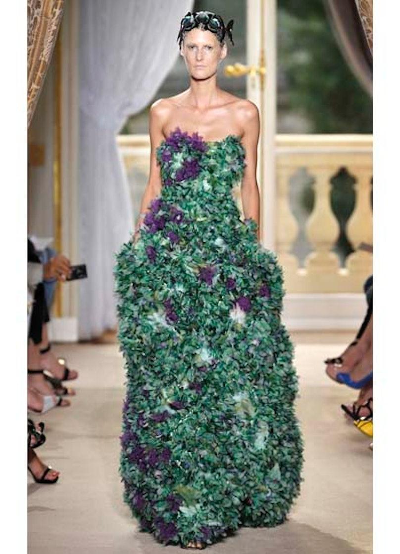 fass-giambattista-valli-couture-2012-runway-35-v.jpg