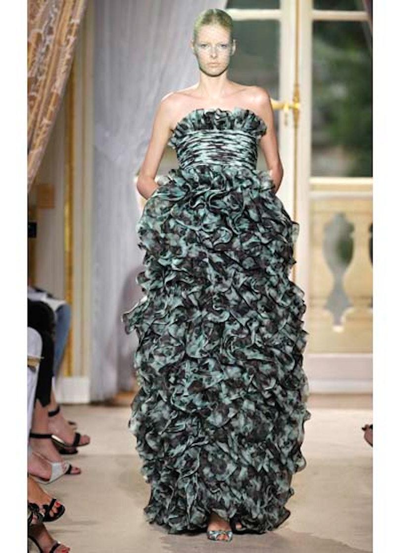 fass-giambattista-valli-couture-2012-runway-36-v.jpg