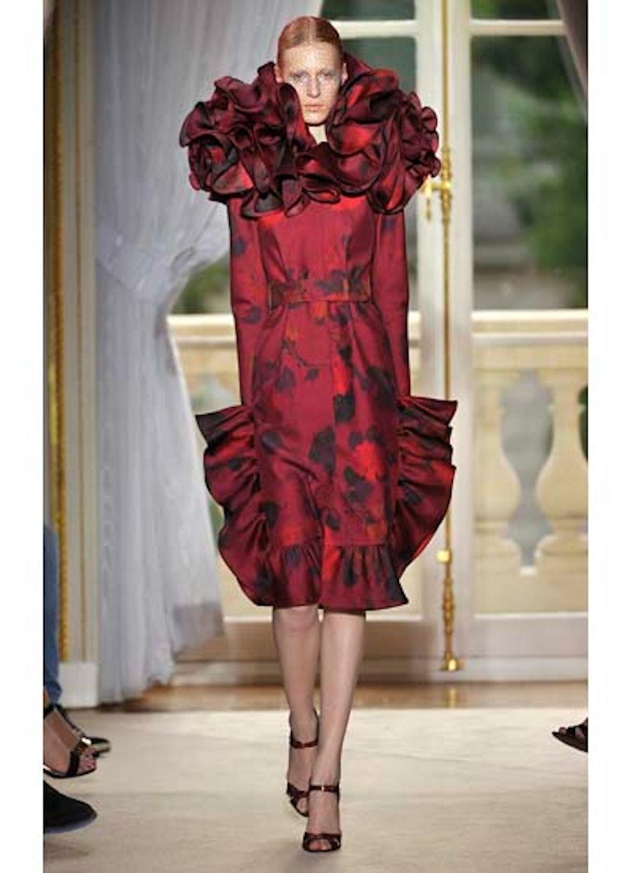 fass-giambattista-valli-couture-2012-runway-01-v.jpg