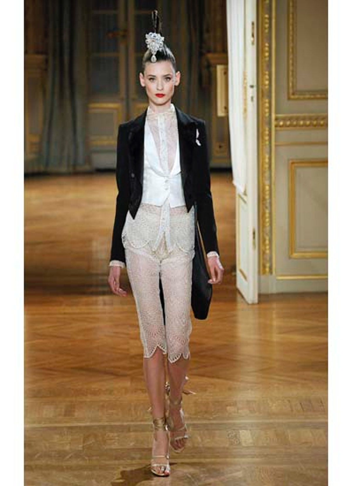 fass-alexis-mabille-couture-2012-runway-07-v.jpg