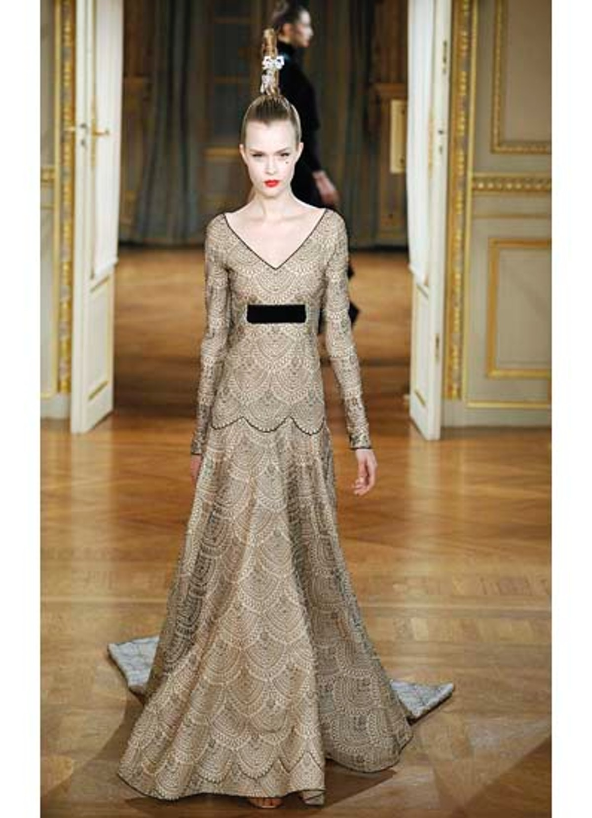 fass-alexis-mabille-couture-2012-runway-08-v.jpg