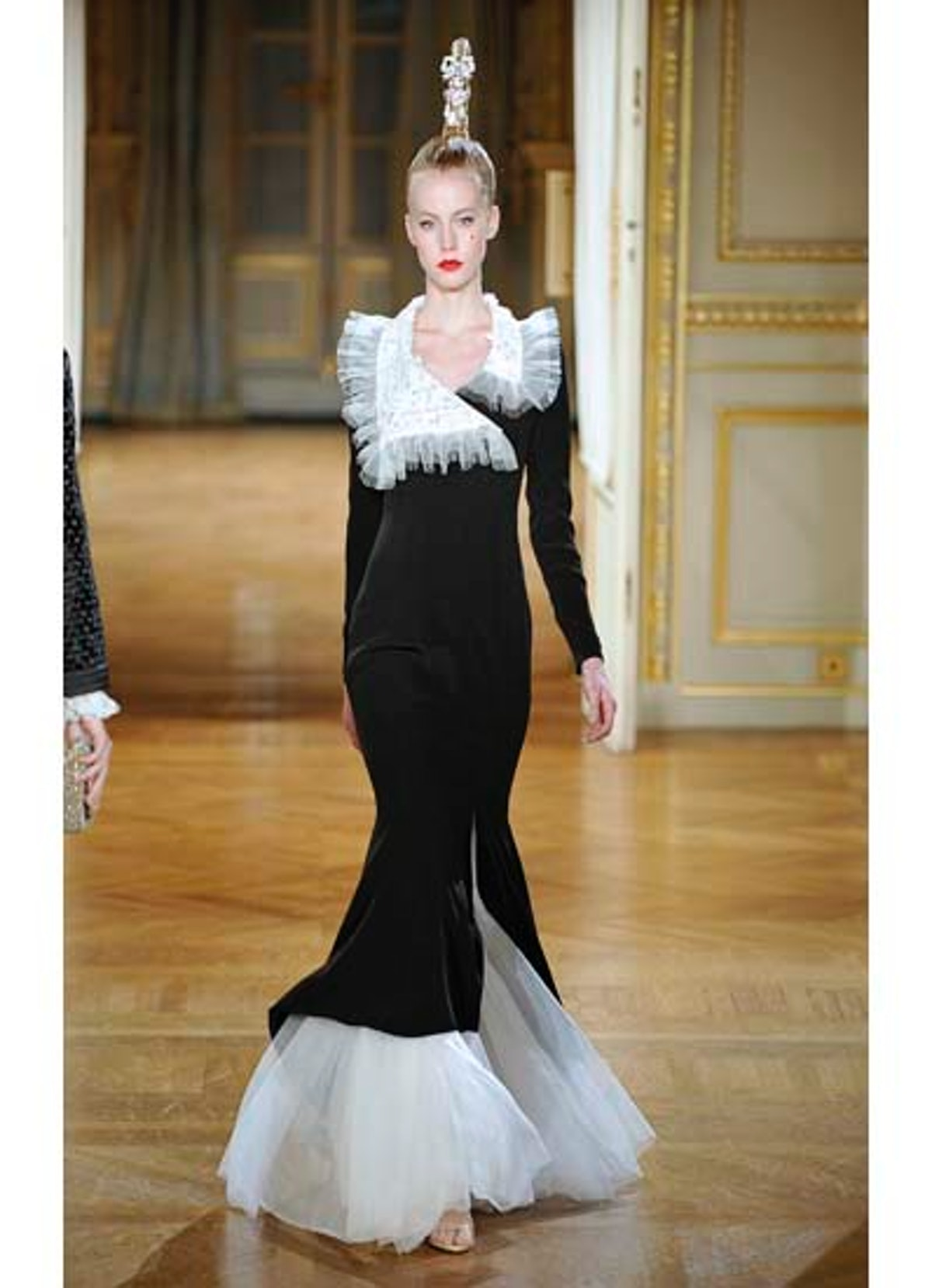 fass-alexis-mabille-couture-2012-runway-06-v.jpg