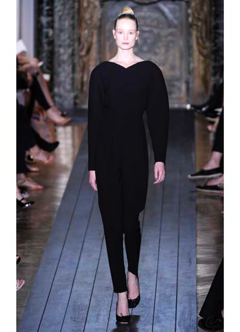 fass-valentino-couture-2012-runway-04-v.jpg