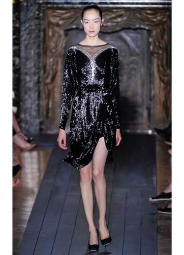 fass-valentino-couture-2012-runway-06-v.jpg