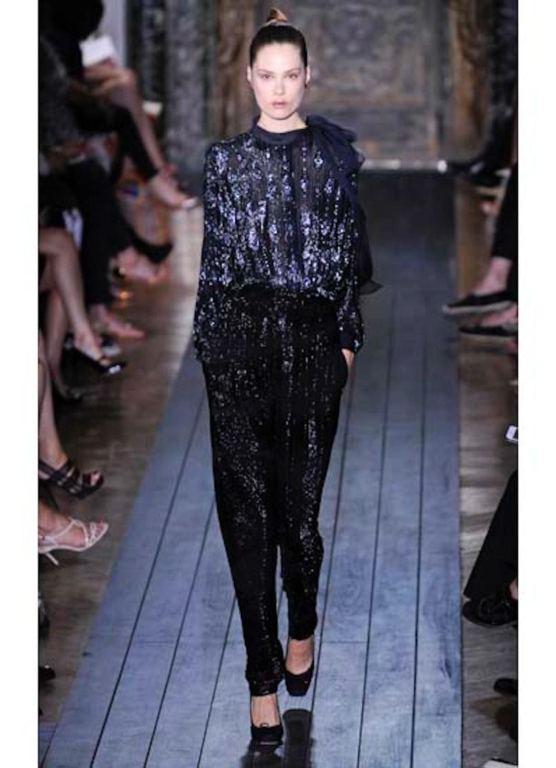 fass-valentino-couture-2012-runway-07-v.jpg