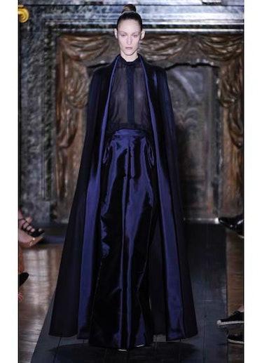 fass-valentino-couture-2012-runway-09-v.jpg
