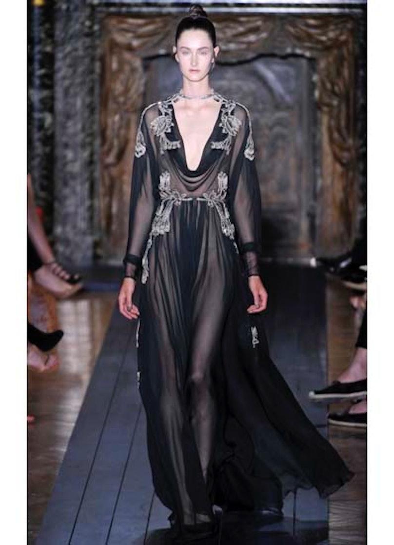fass-valentino-couture-2012-runway-13-v.jpg