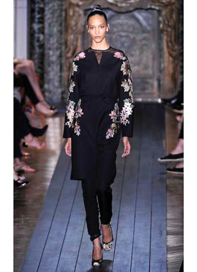 fass-valentino-couture-2012-runway-15-v.jpg