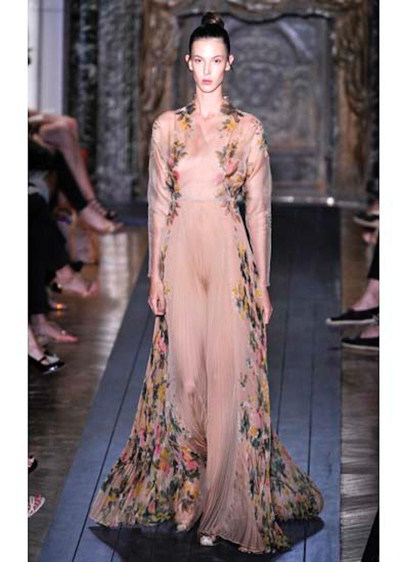 fass-valentino-couture-2012-runway-18-v.jpg