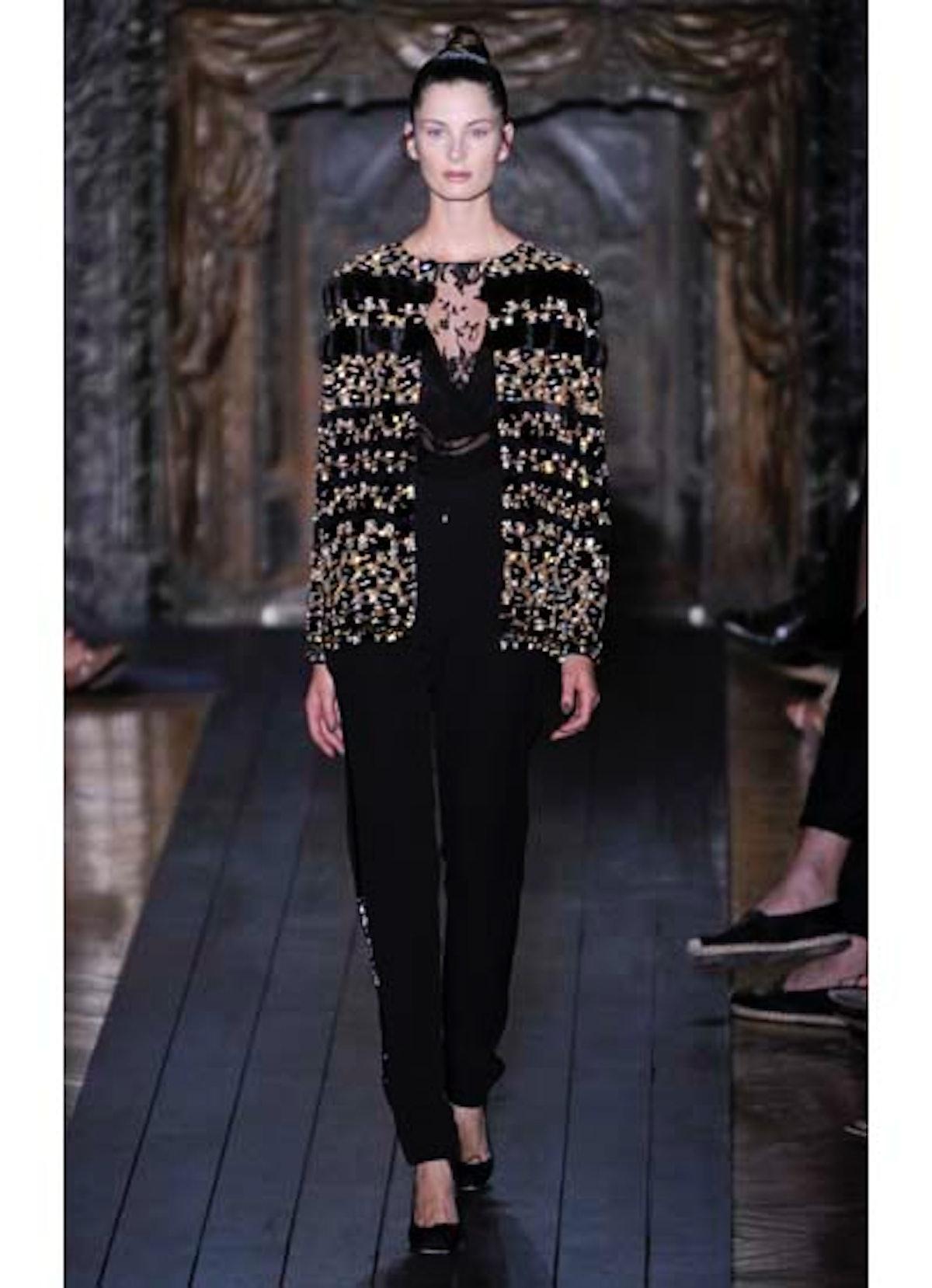 fass-valentino-couture-2012-runway-21-v.jpg