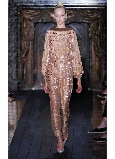 fass-valentino-couture-2012-runway-20-v.jpg