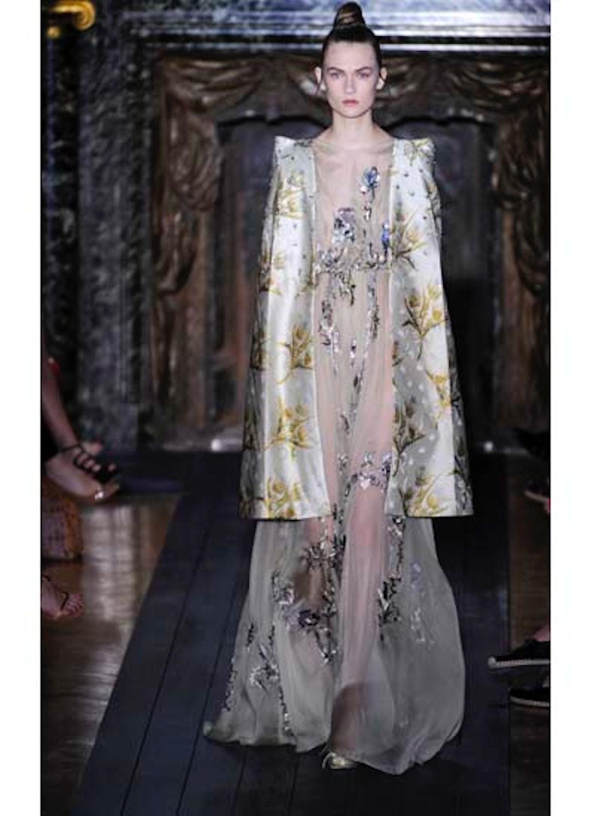 fass-valentino-couture-2012-runway-33-v.jpg