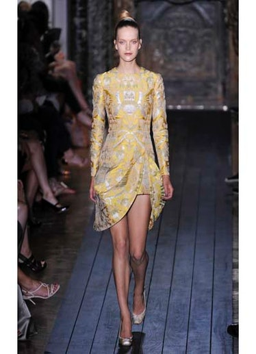 fass-valentino-couture-2012-runway-32-v.jpg
