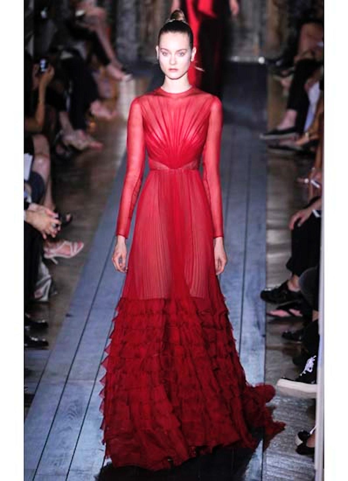 fass-valentino-couture-2012-runway-37-v.jpg