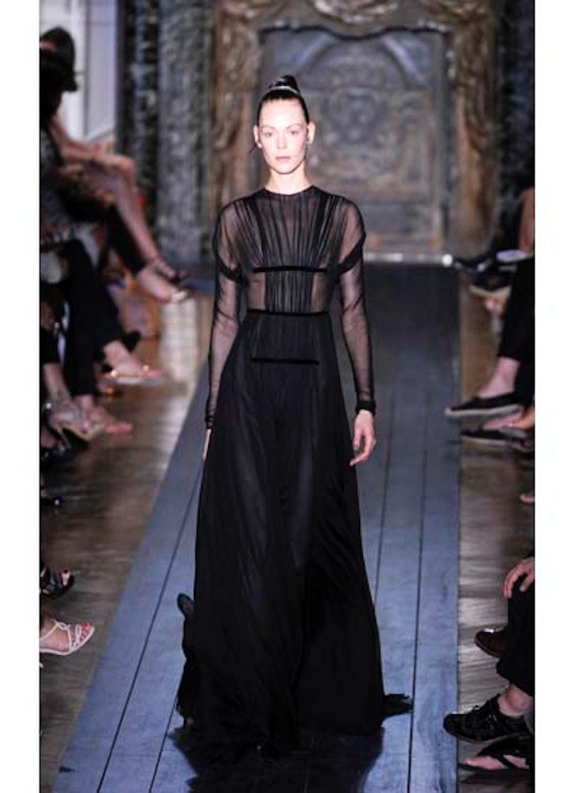fass-valentino-couture-2012-runway-40-v.jpg