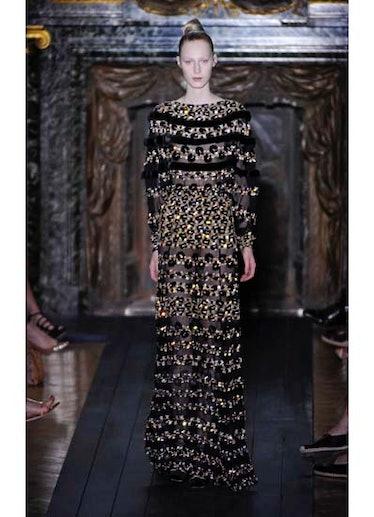 fass-valentino-couture-2012-runway-43-v.jpg
