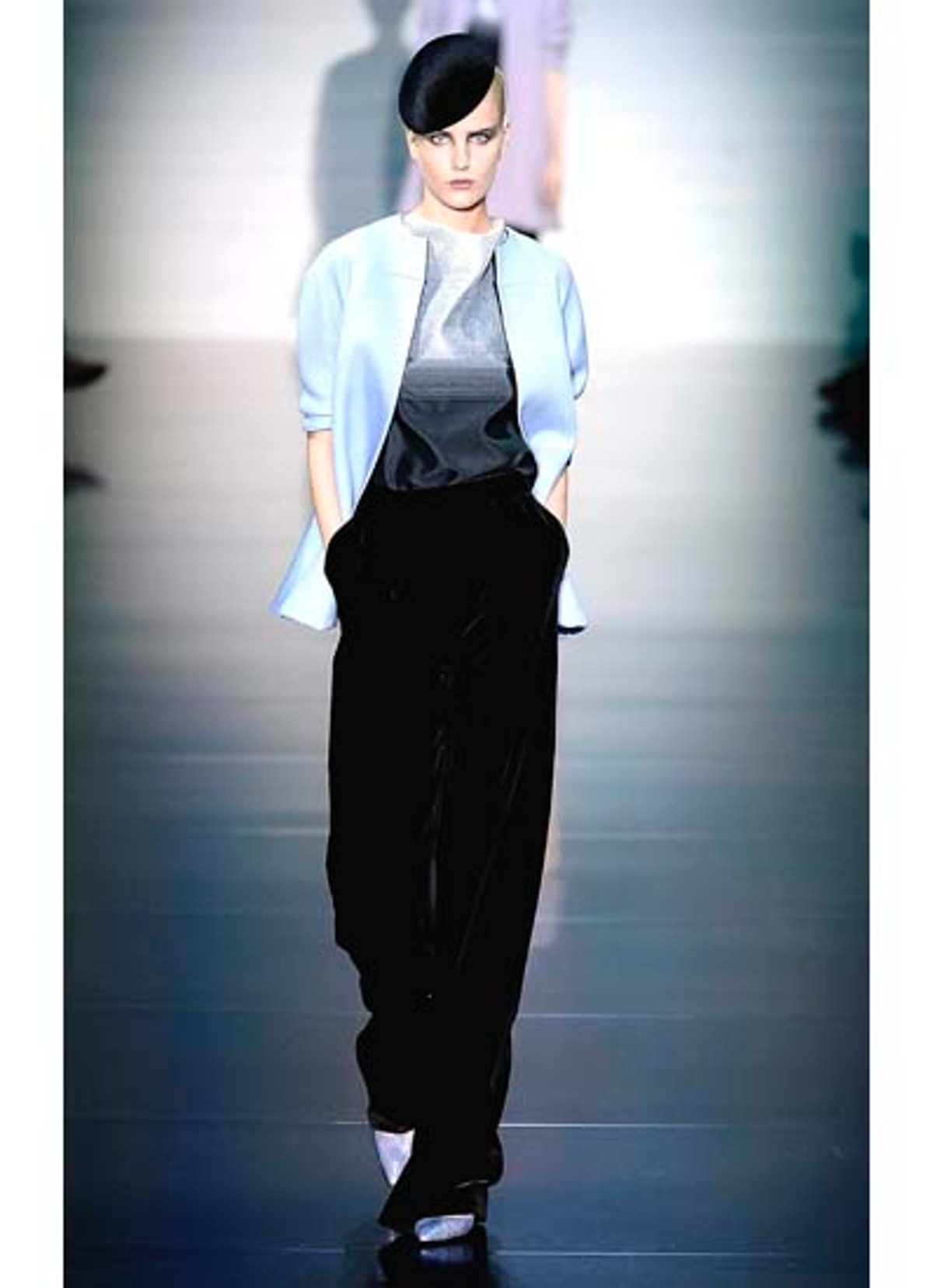 fass-giorgio-armani-couture-2012-runway-02-v.jpg