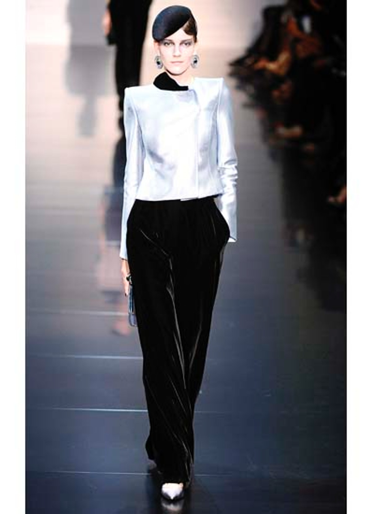 fass-giorgio-armani-couture-2012-runway-06-v.jpg