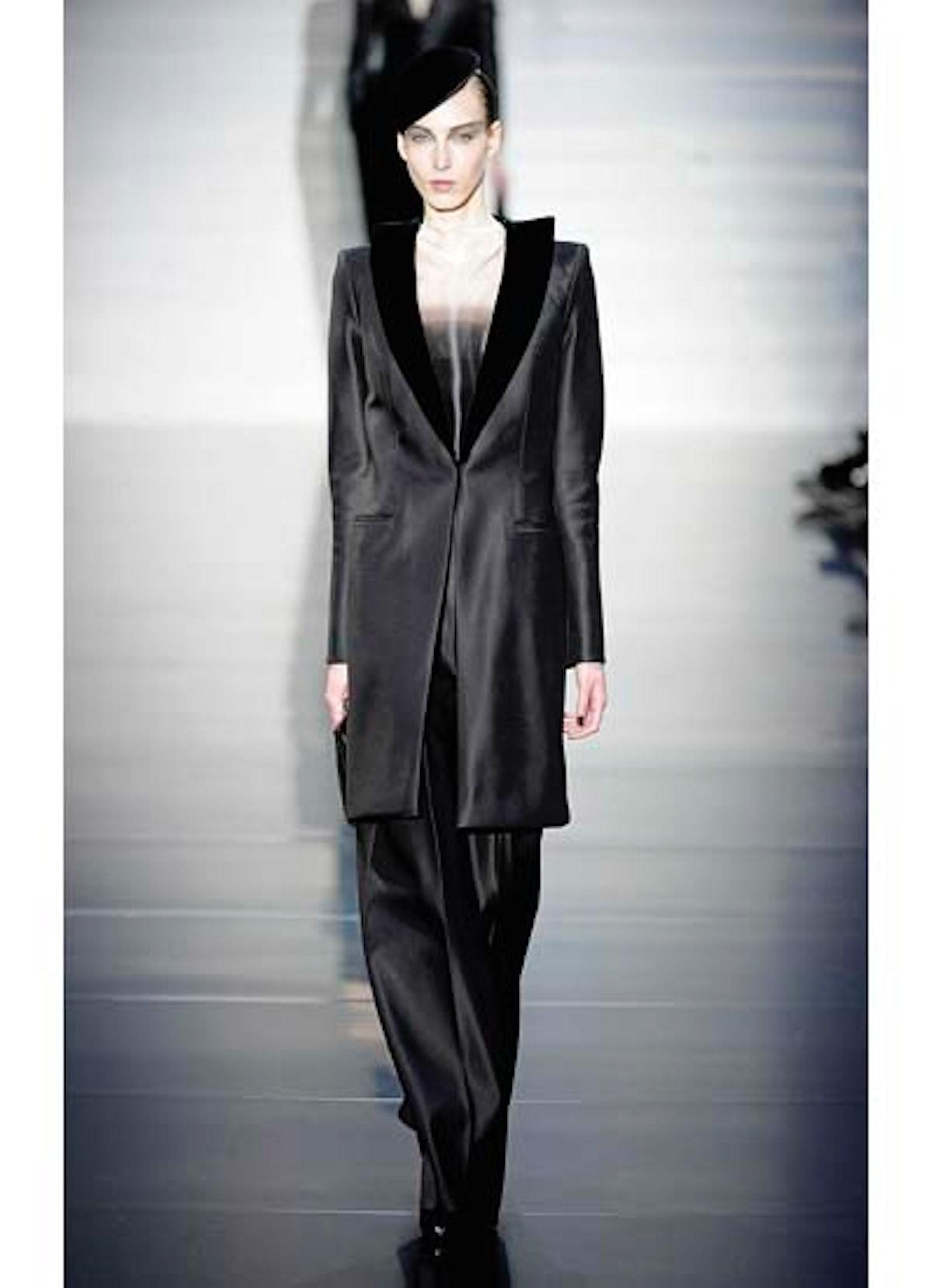 fass-giorgio-armani-couture-2012-runway-08-v.jpg