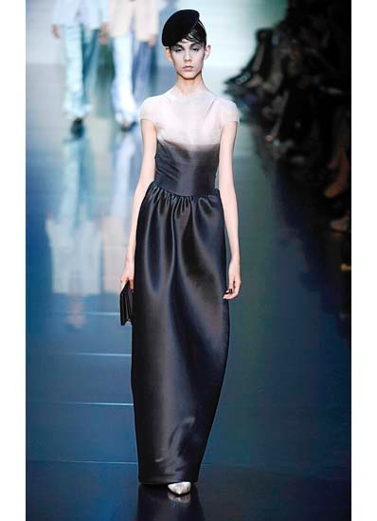 fass-giorgio-armani-couture-2012-runway-10-v.jpg