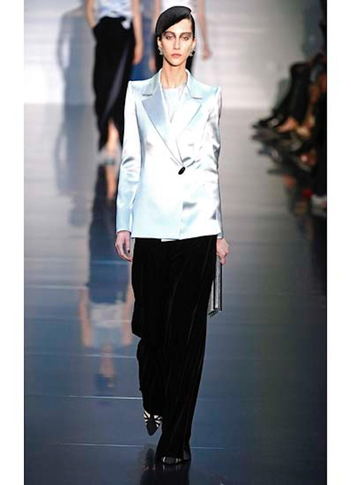 fass-giorgio-armani-couture-2012-runway-12-v.jpg
