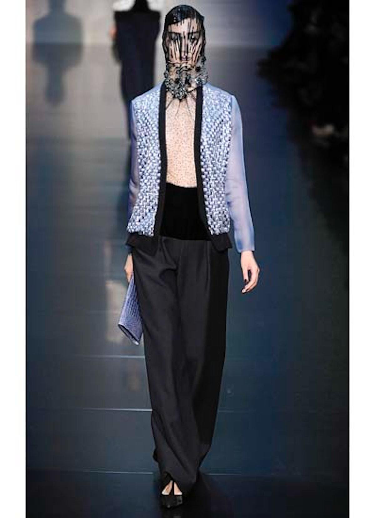 fass-giorgio-armani-couture-2012-runway-17-v.jpg