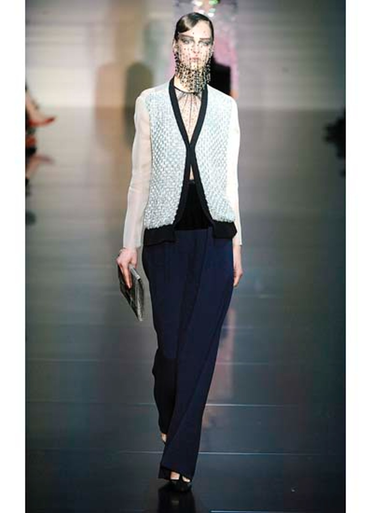 fass-giorgio-armani-couture-2012-runway-18-v.jpg