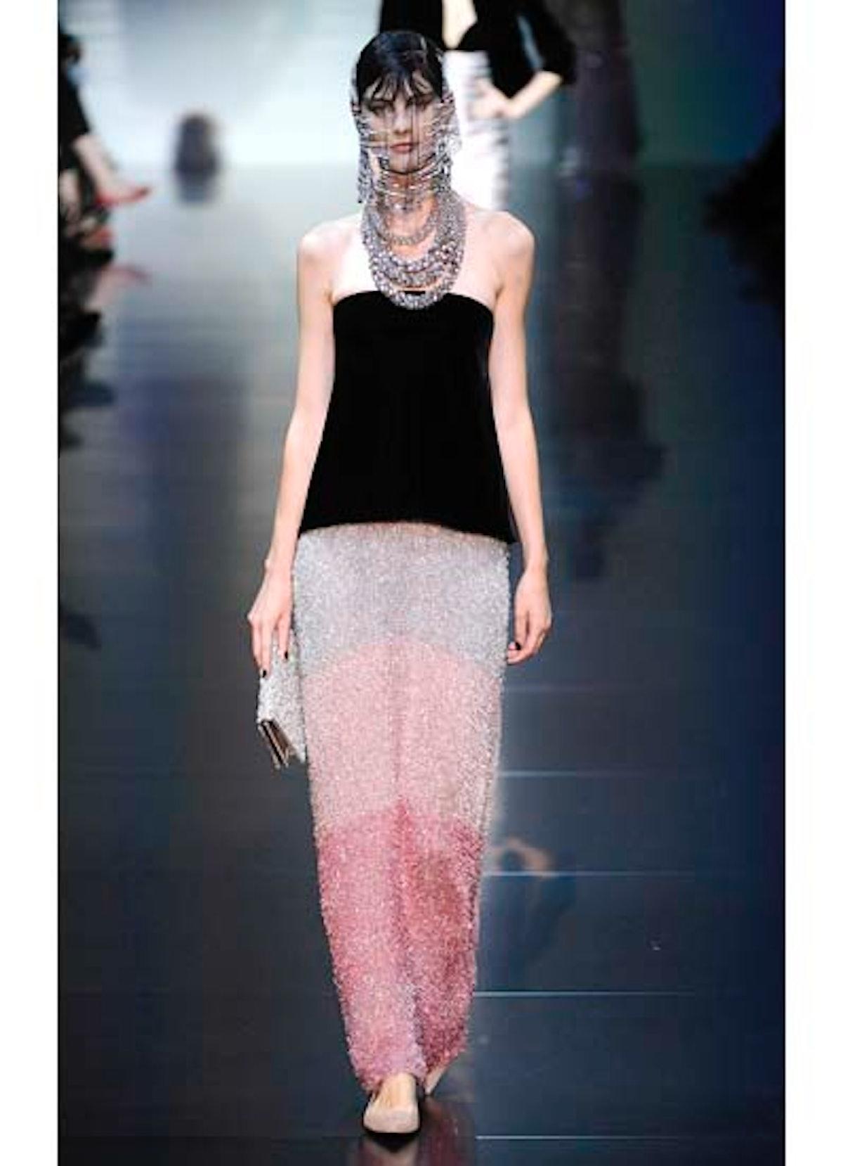fass-giorgio-armani-couture-2012-runway-20-v.jpg