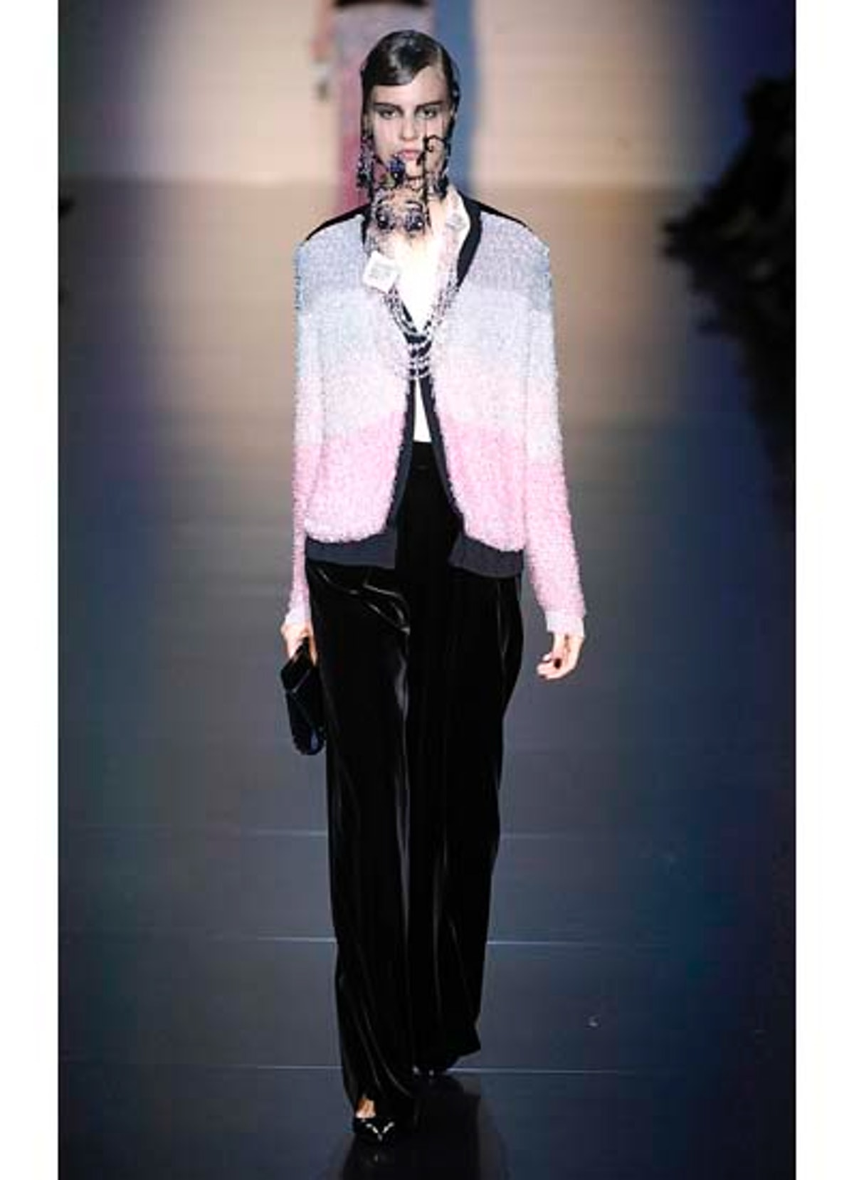 fass-giorgio-armani-couture-2012-runway-19-v.jpg