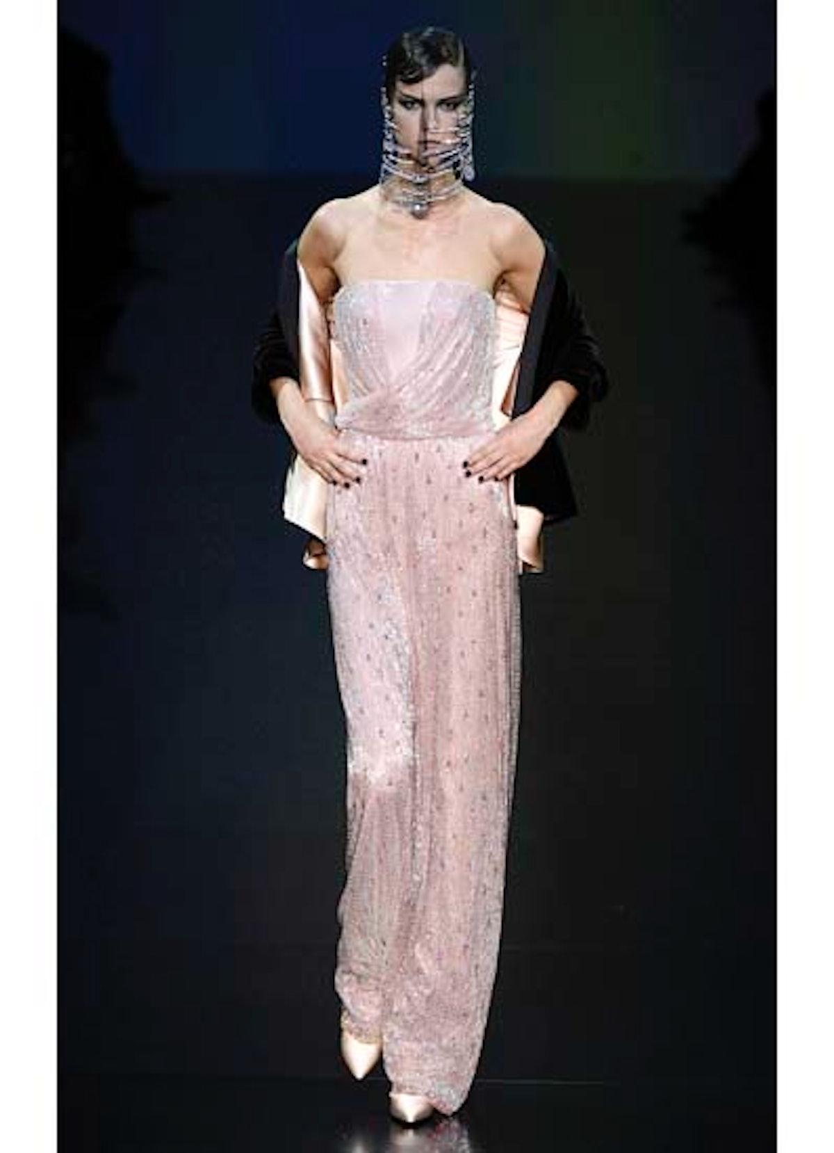 fass-giorgio-armani-couture-2012-runway-22-v.jpg