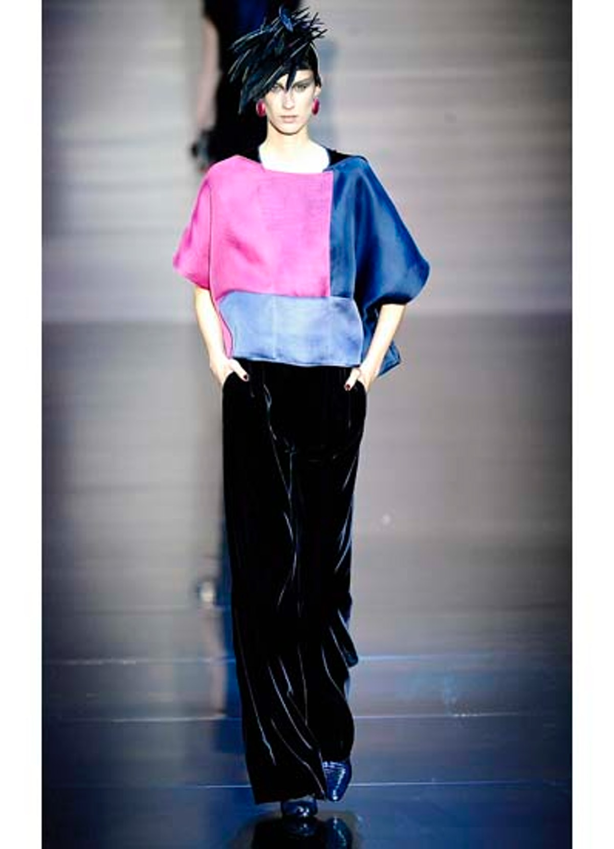 fass-giorgio-armani-couture-2012-runway-28-v.jpg
