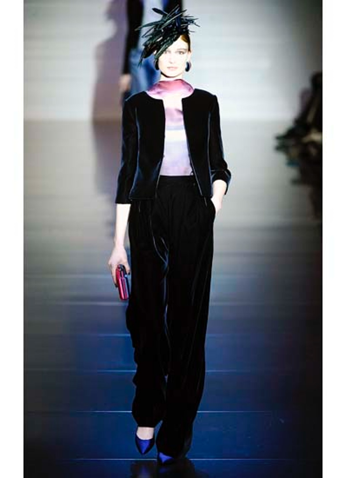 fass-giorgio-armani-couture-2012-runway-30-v.jpg