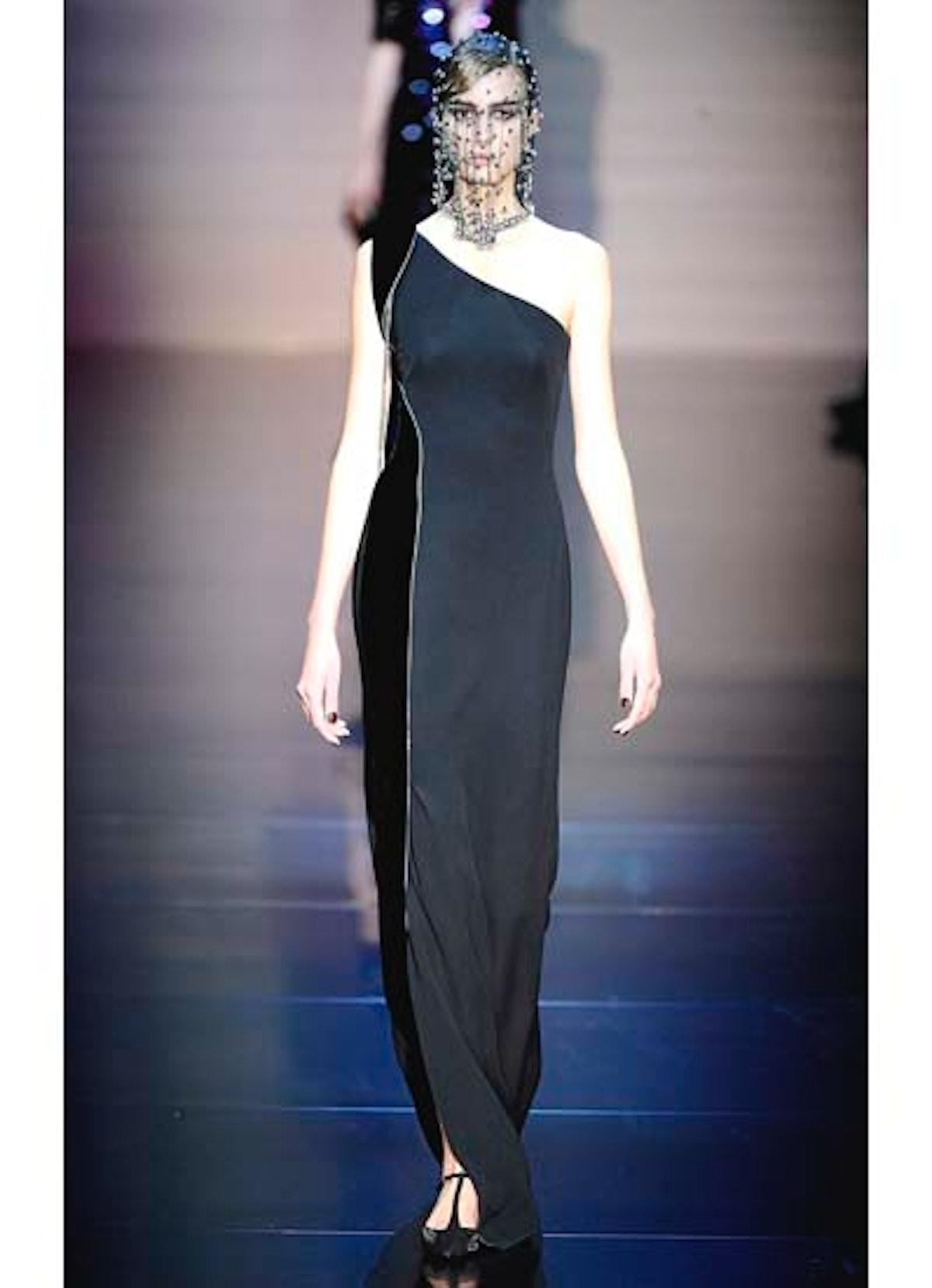 fass-giorgio-armani-couture-2012-runway-34-v.jpg