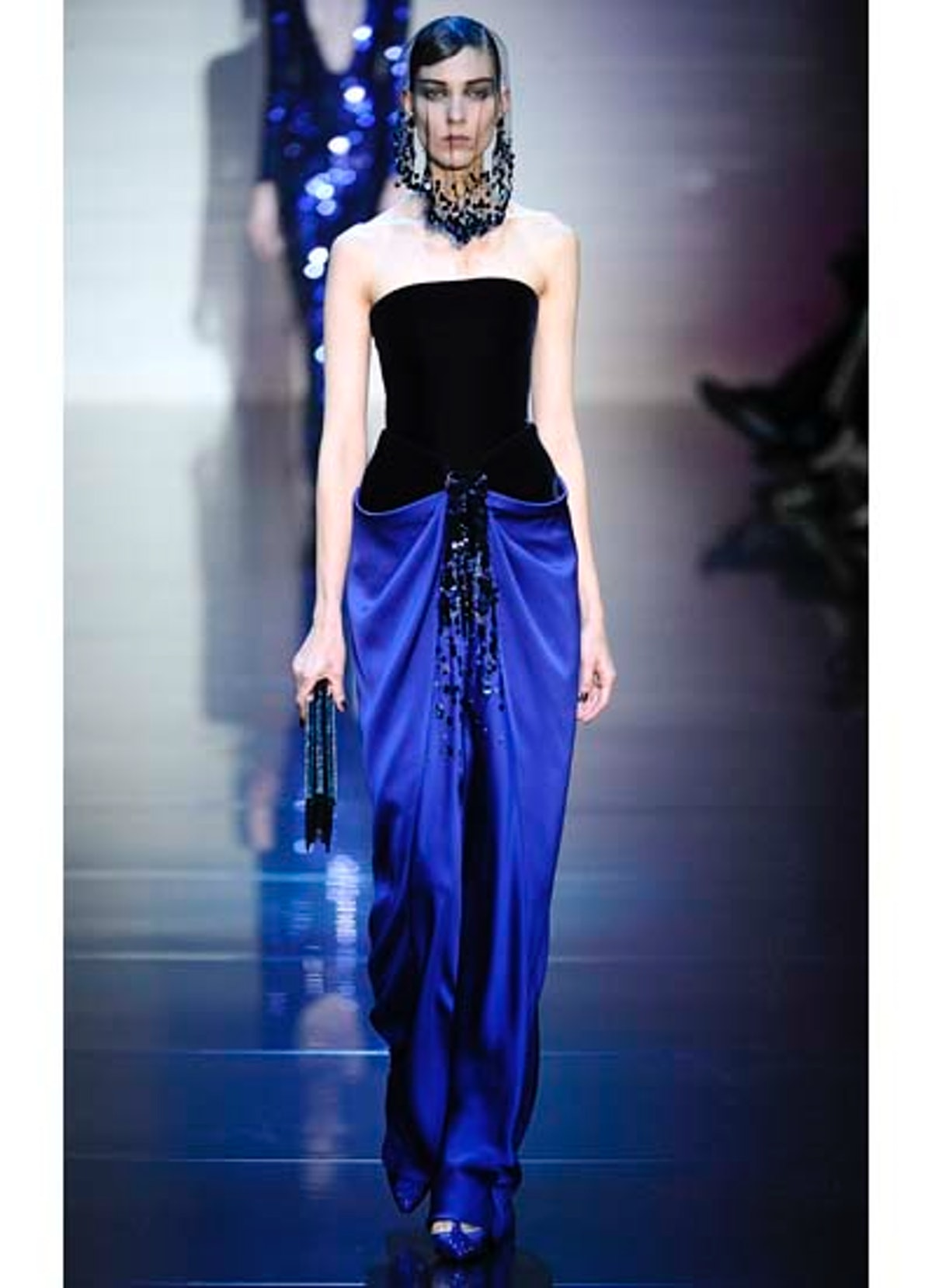 fass-giorgio-armani-couture-2012-runway-36-v.jpg