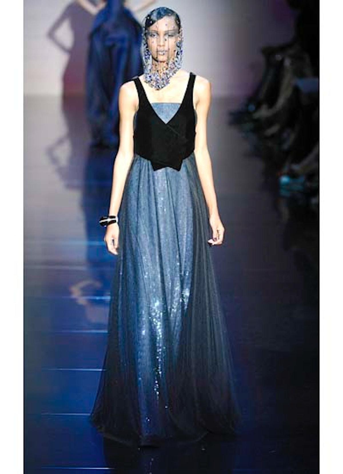 fass-giorgio-armani-couture-2012-runway-39-v.jpg