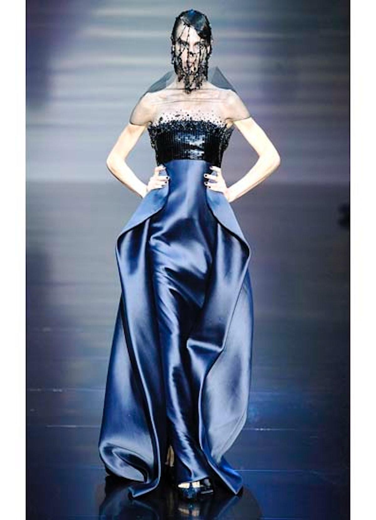 fass-giorgio-armani-couture-2012-runway-40-v.jpg